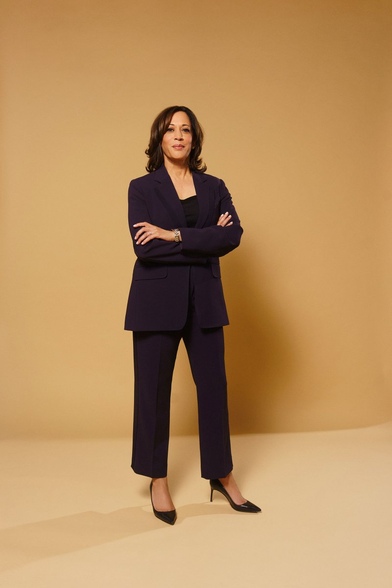 I'm very thankful that Kamala Harris is going to be the new Vice President of the United States of America and that Mike Pence will be leaving office soon! Can't wait! #BidenHarris2020 #KHive #Election2020 #DumpTrump #NeverTrump #EndFascism 🥰👍 https://t.co/RkMrVSmpRm