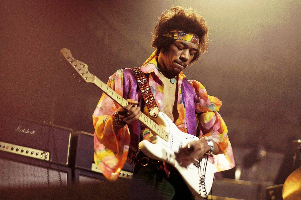 """#ElToqueFinal """"Quiero hacer una música tan perfecta que se filtre a través del cuerpo y sea capaz de curar cualquier enfermedad"""", Jimi Hendrix, músico de rock/blues estadounidense que nació un día como hoy en 1942.  #26Nov #ElToqueDeDiana https://t.co/tSPtlzmXSJ"""