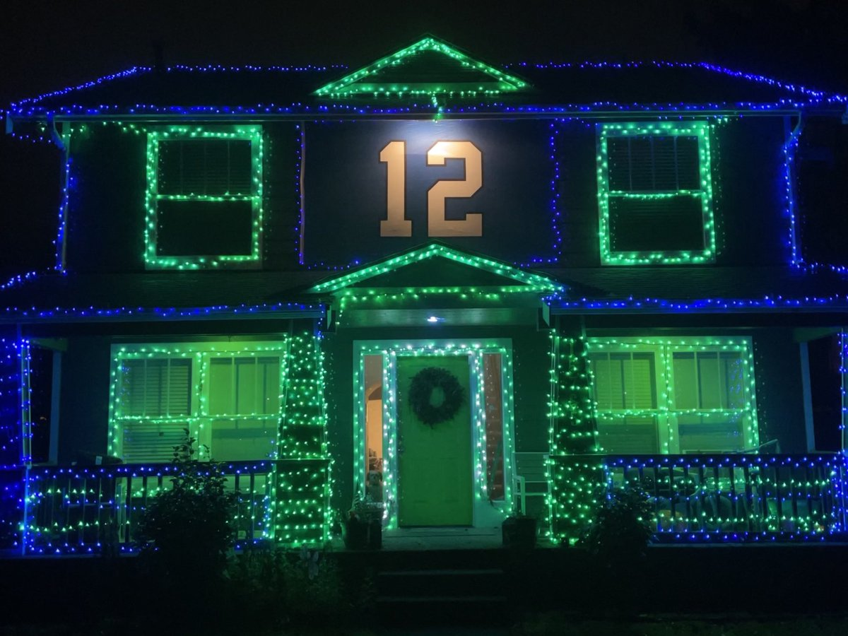 Ready for the Holidays! Let's win it all! Please RT. ⁦@dkm14⁩ ⁦@DangeRussWilson⁩ ⁦@TDLockett12⁩ ⁦@Bwagz⁩ ⁦@Prez⁩ ⁦@Seahawks⁩ #GoHawks #letrusscook #sblv