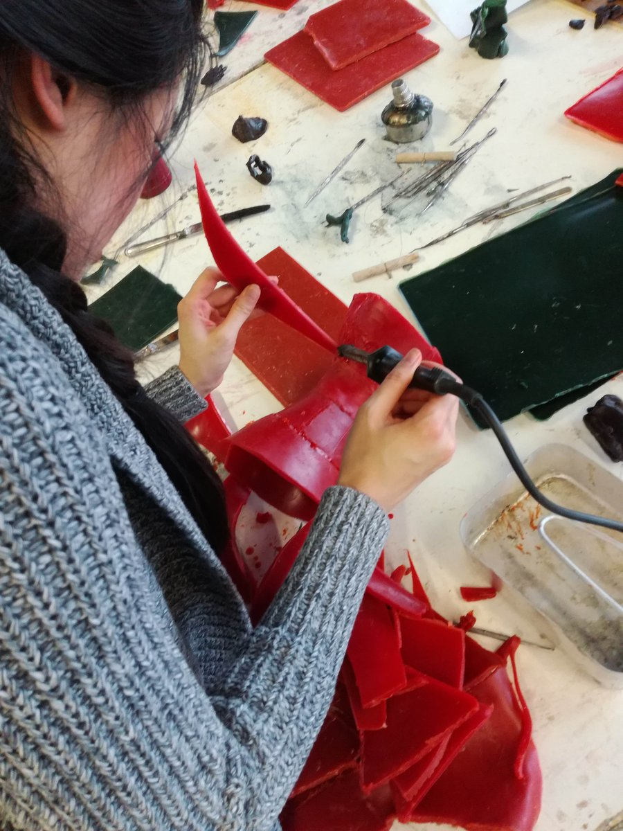Save more than £67 this #BlackFriday on our Modelling Sculpture in Wax 2-day course. Only until 23:59 or while stocks last. Our new covid safety measures are explained on the course page. https://t.co/L7HKYEhNdp  #wax #artists #sculpture #art #craft #design https://t.co/PsSMMXIj25