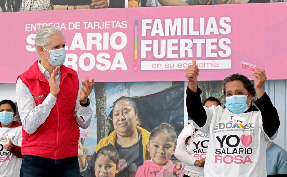 En #AlmoloyaDeJuárez, más de 4 mil mujeres mexiquenses recibieron por primera vez su #SalarioRosa. Queremos que sepan que no están solas, cuentan con todo el apoyo del @Edomex.