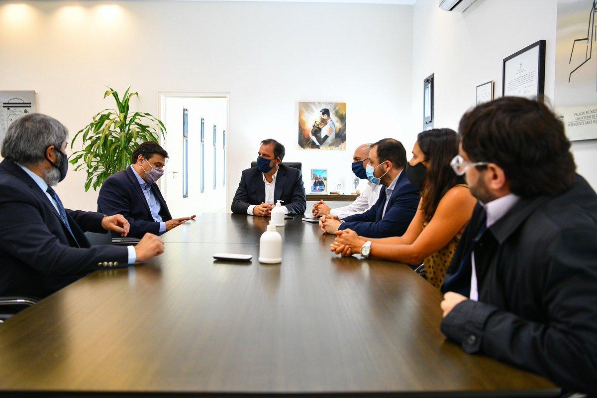 Importante reunión con el ministro de Trabajo de la Nación, Claudio Moroni, para potenciar los programas de empleo en nuestro distrito ➡️ https://t.co/mJ2bu6tyg8 https://t.co/OisrguAA1n