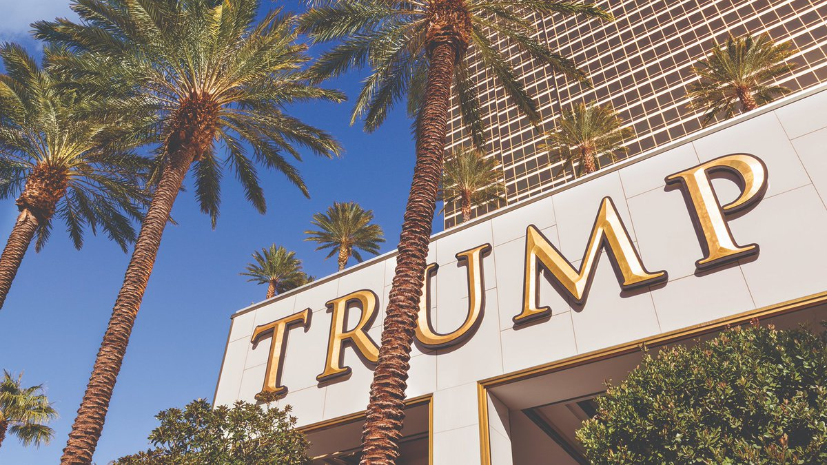 Everything's golden in the heart of lively Las Vegas! #NeverSettle https://t.co/Rx1CrLS3gx