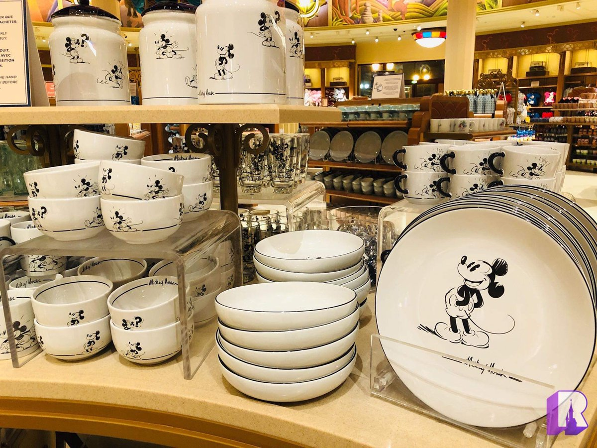 Dlp Report On Twitter World Of Disney Is Full Of Gift Ideas From Plush To Dishes And Many Items On Offer They Ve Really Packed In As Much In As Possible Https T Co Luv3y5eygg