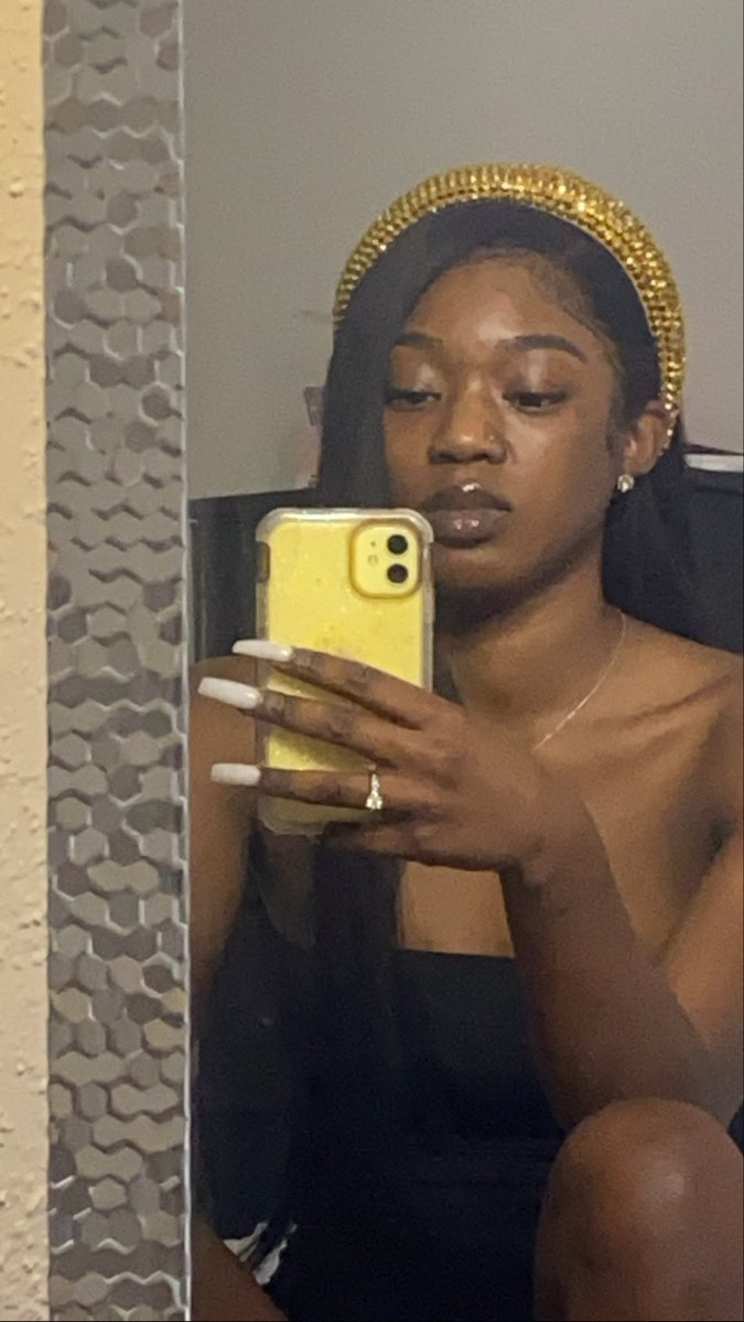 Hoochie Mama On Twitter How Y All Make These Head Bands Look Cute This Shit Hideous Последние твиты от hoochie mama(@shondaaab). head bands look cute this shit hideous
