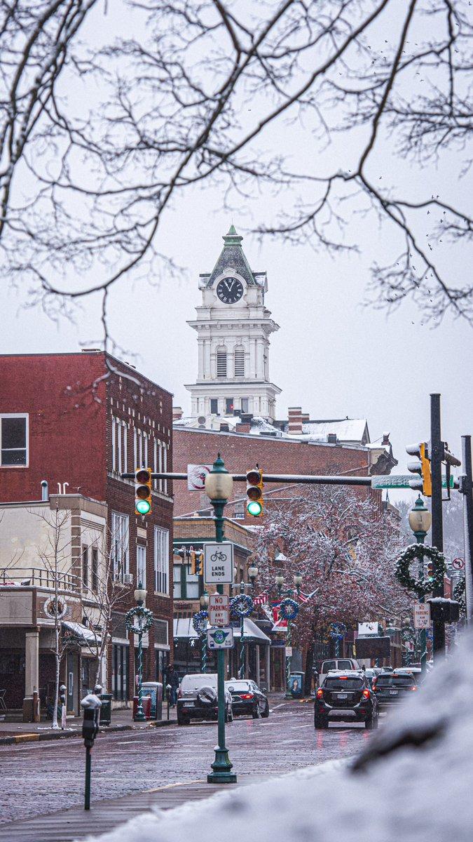 Ohio University On Twitter First Snowfall On The City Wallpaperwednesday