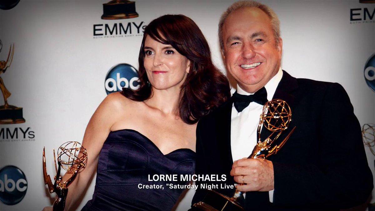 """#MyNextGuestNeedsNoIntroduction con David @Letterman - #TinaFey - Cuando conoció a #LorneMichaels una de las cosas que le advirtieron es que no terminara nunca sus oraciones y los 1ro que Loren le pregunto es """"tu naciste en?"""""""