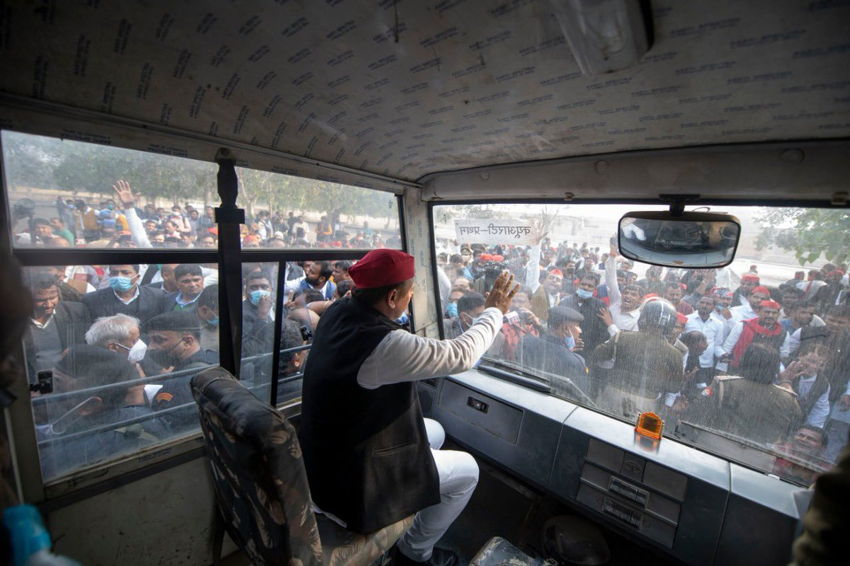 'किसान आंदोलन' भारत के इस लोकतांत्रिक मूल्य की पुनर्स्थापना का भी आंदोलन है कि सरकार के सभी फैसलों में आम जनता की भागीदारी होनी चाहिए;  सरकार की मनमानी नहीं.   इसीलिए भारत में लोकतंत्र को बचाने के लिए देश का हर नागरिक भी आज 'किसान आंदोलन' के साथ भावात्मक रूप से जुड़ता जा रहा है.