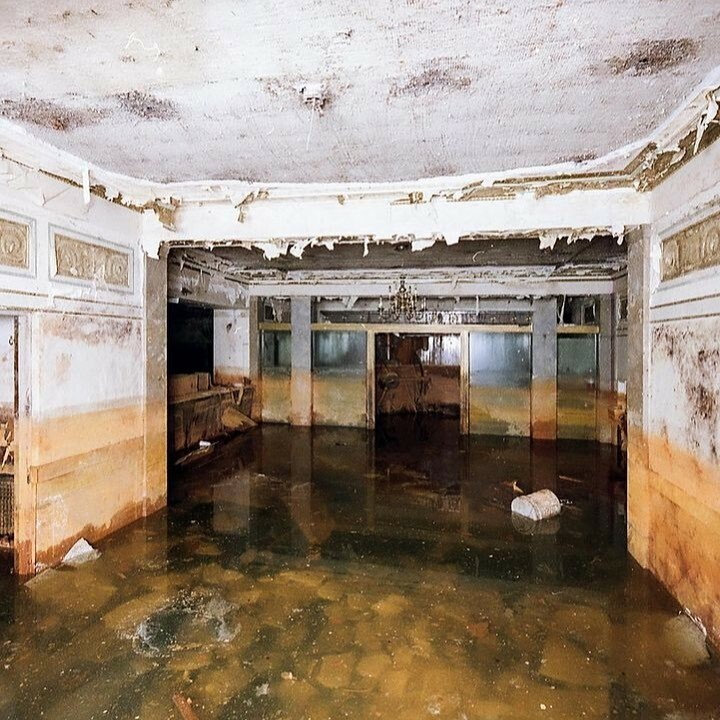 Abandoned bank #fall#sea#holiday#follow#vintage#fashion#trip#life#girls#new#quotes#model#tattoo#italy#TagsForLikes#london#nature#fitness#gym#style#insta#fun#newyork#bestoftheday#black#art#lifestyle#color#look#work