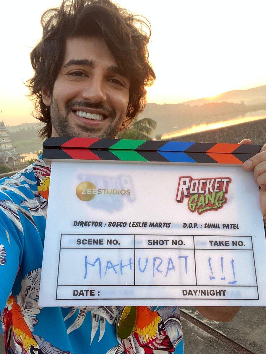 @Adityaseal kickstarts his new film #RocketGang with @Boscomartis @Zeestudiosofficial as he awaits for #IndooKiJawani to be released in theatres tomorrow!  #AdityaSeal