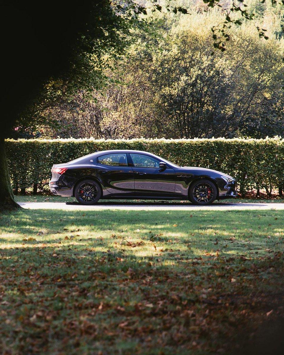 その傑出した佇まい、ハイレベルなラグジュアリー性。 マセラティの大胆な哲学を、エレガントに体現するギブリ。 無機質で平凡な日常に、全てが異次元の心高鳴る体験と価値観を提案します。  ギブリの詳細はこちら https://t.co/smnnzGuctJ  #Maserati #マセラティ  #MaseratiJapan #Ghibli #ギブリ https://t.co/NLLZc9YKKQ