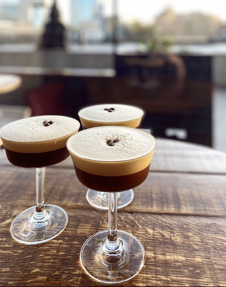 NYE DEAL ALERT 🚨   The first 30 people to book in for a table on NYE @ The Oyster Shed will receive a complimentary espresso martini 😍‼️ https://t.co/bQeryq6aQo