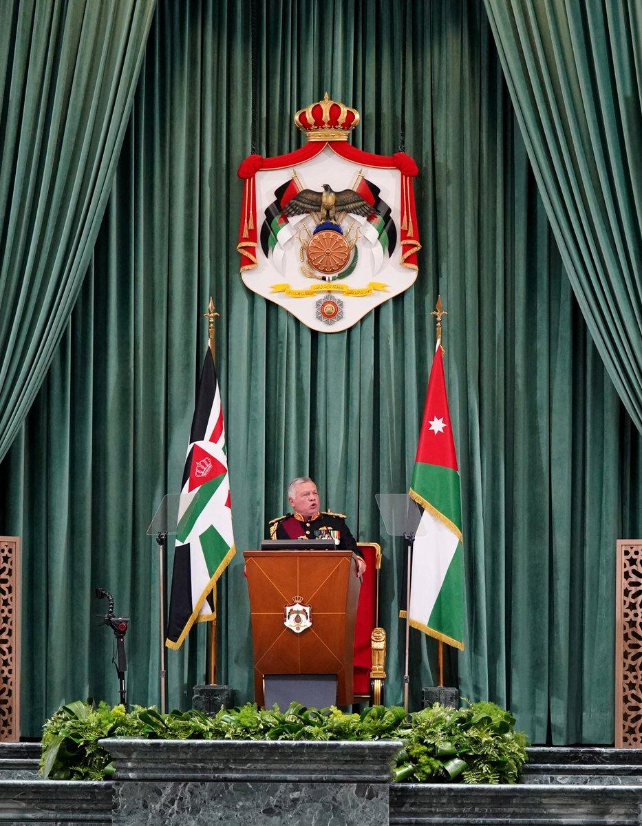 جلالة الملك عبدالله الثاني يلقي #خطاب_العرش السامي في افتتاح الدورة غير العادية لمجلس الأمة التاسع عشر #الأردن  His Majesty King Abdullah II delivers the Speech from the Throne at the 19th Parliament's Non-ordinary Session #SFTT2020 #Jordan