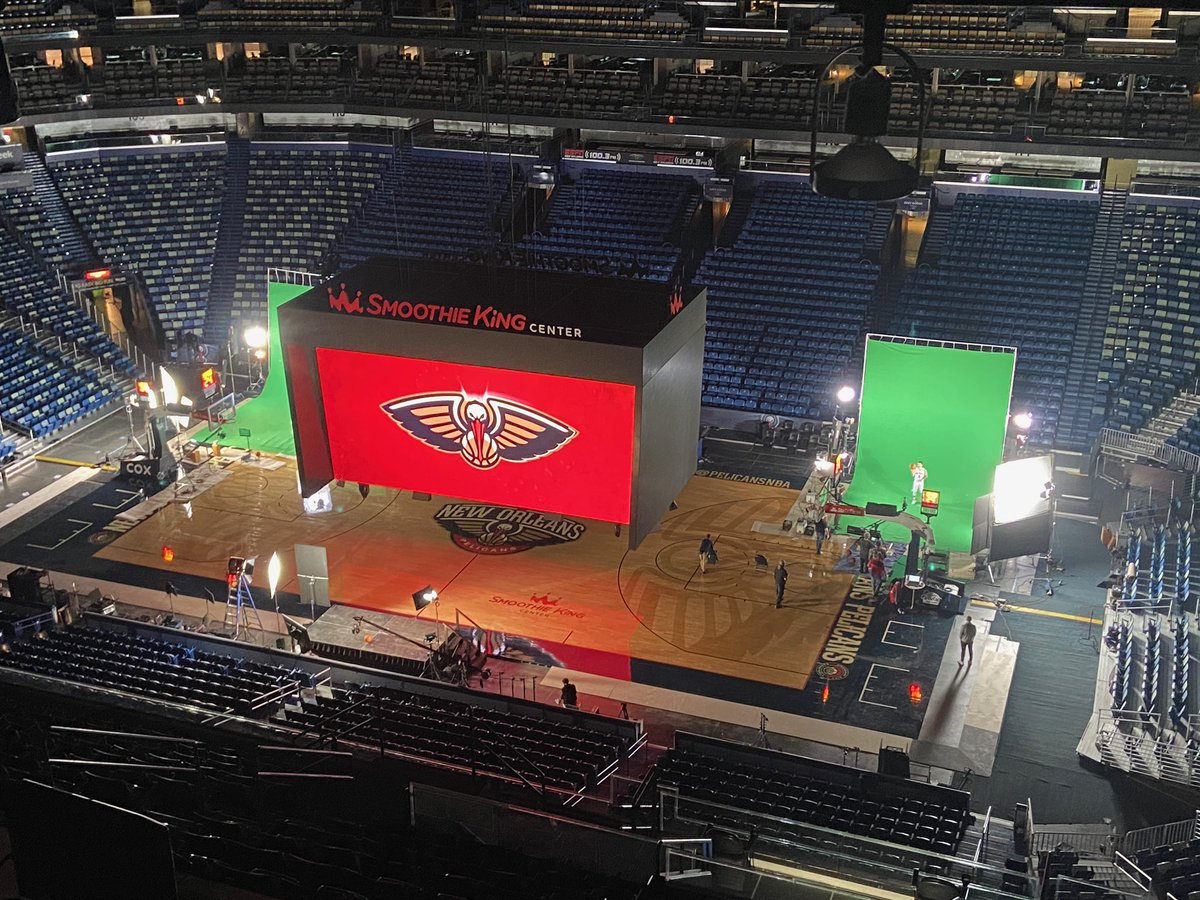 We are underway here at the @SmoothieKingCtr for #PelicansMediaDay 📸🍿 https://t.co/ZGRj8Gyl5e