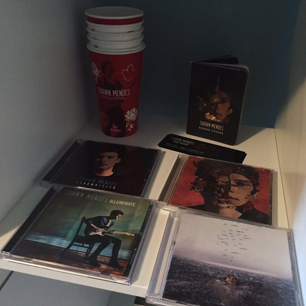 @ShawnAccess collection's complete! :) #WONDERBUYOUTS #STREAMWONDER #RecordStoreWonder #7DaysOfWonder #wonder
