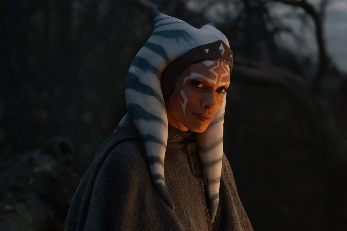Lucasfilm Reportedly Casting Live-Action Sabine Wren Rosario Dawson