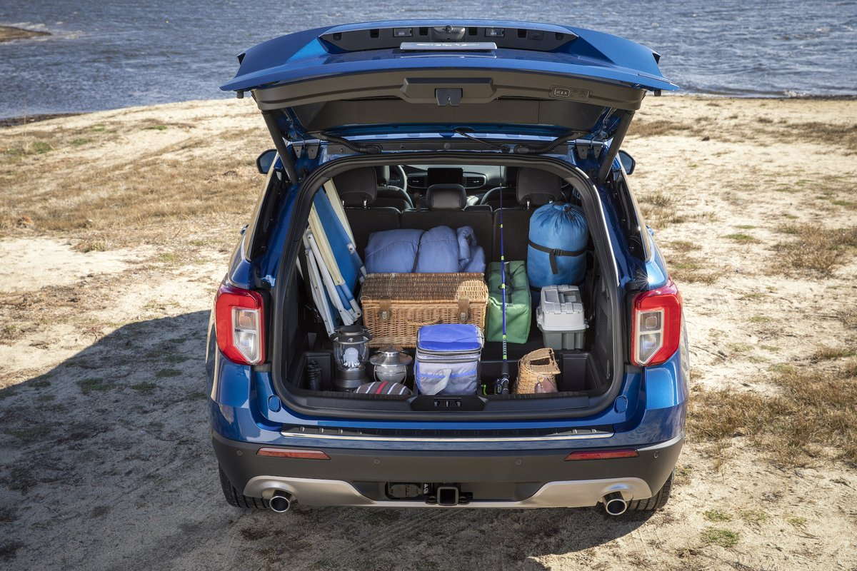 Winter on the Gulf Coast gives plenty of opportunities to enjoy the outdoors. Fit your whole crew and everyone's gear in the Ford Explorer when you head out for a picnic by the water. https://t.co/RMKJCqQCHh. https://t.co/pa2R0sp9Yj