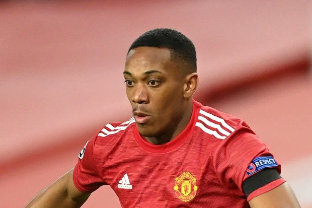 (🌥) Manchester United left Anthony Martial 🇫🇷 in his hotel room for Sunday's game with Southampton after falling ill overnight. [Sun] #SOUMUN #PremierLeague