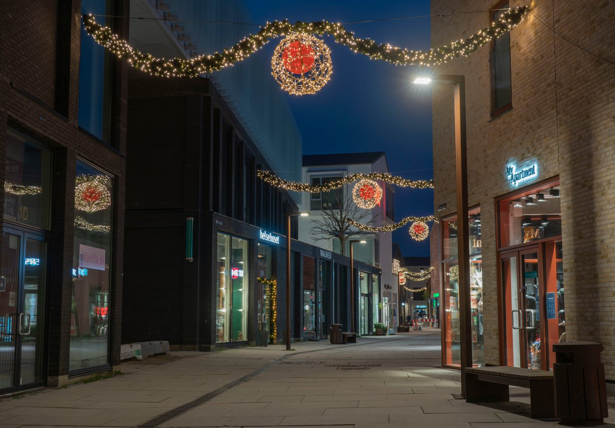 Christmas decoration in the street in Koge, Denmark.  #Denmark #NaturePhotography #November29th #SonyAlpha #photooftheday #sundayvibes #SundayThoughts #SundayMotivation #Christmas #xmas2020    📸Dorte Hedengran