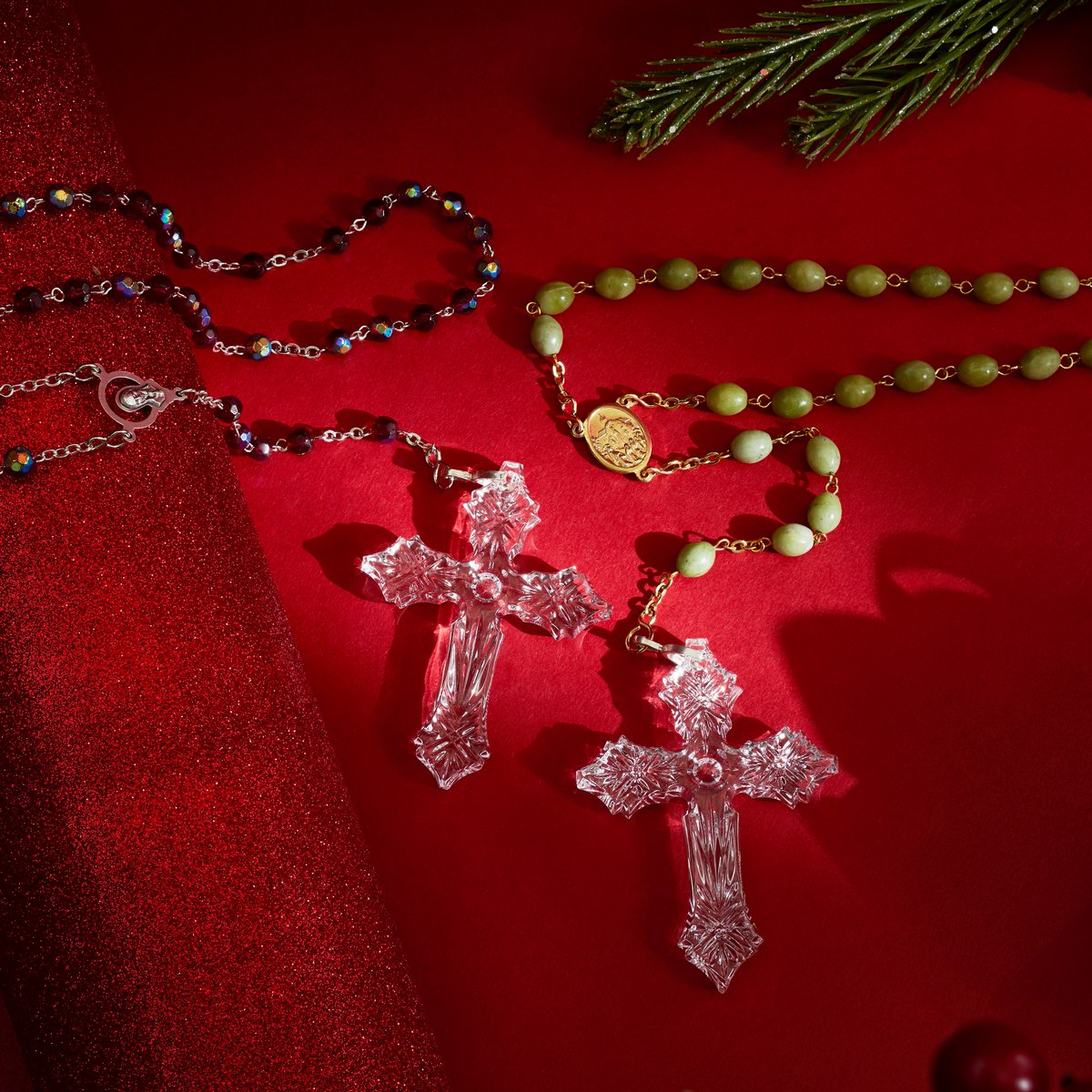 Display your faith with this religious accessory! Crafted with beautifully cut crystal, this necklace features a rosary design on either green or red Connemara Marble beaded chain. Get this faith-inspired piece for 6 ValuePay® of $13.23! ✨