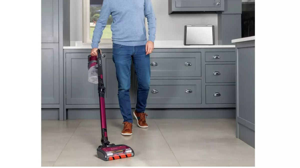 Black Friday vacuum deals: This Shark cordless vacuum cleaner is now its lowest price EVER on Argos https://t.co/MdSVKTlMyR https://t.co/RmpDTbtGMd