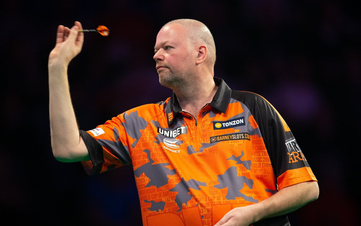 Today's 'Darts Icon Of The Day' is Raymond Van Barneveld 🇳🇱   Van Barneveld is a five-time World Darts Champion (four-time BDO and one-time PDC), a two-time UK Open Champion and a former winner of the Las Vegas Desert Classic, the Grand Slam of Darts and the Premier League 👏🏻🎯 https://t.co/dg05ChZs6O