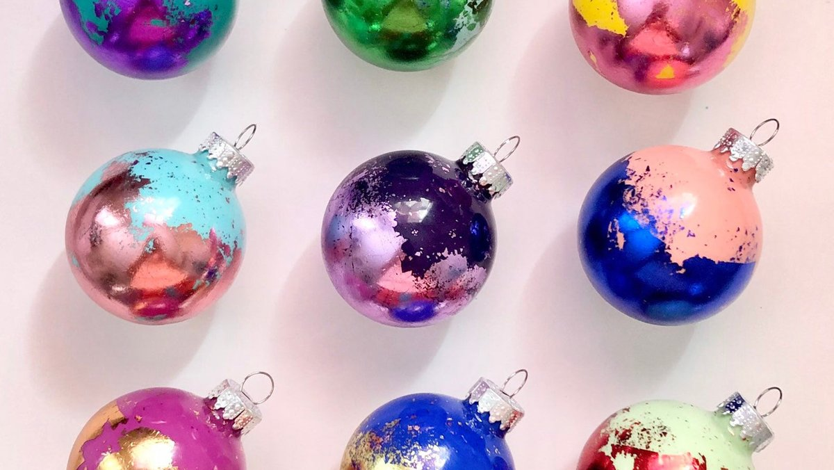 Waited until after Thanksgiving to deck the halls? Then you'll definitely want to check out our ultimate ornament guide: https://t.co/ilowgWr1ss https://t.co/FdCaHrTll4