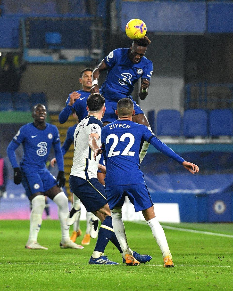 FULL-TIME Chelsea 0-0 Spurs  Spurs go 🔝 of the #PL as the spoils are shared at Stamford Bridge 🤝  #CHETOT https://t.co/lzTDzm07ik