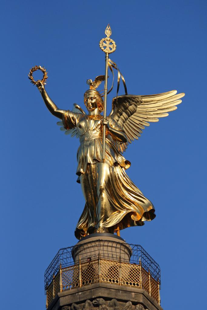 عمود النصر من رموز مدينة #برلين تشيد سنة 1873 احتفال بالنصر في الحرب الفرنسية الالمانية، من اشهر الاماكن السياحية في برلين 🇩🇪 #السياحة  #السفر