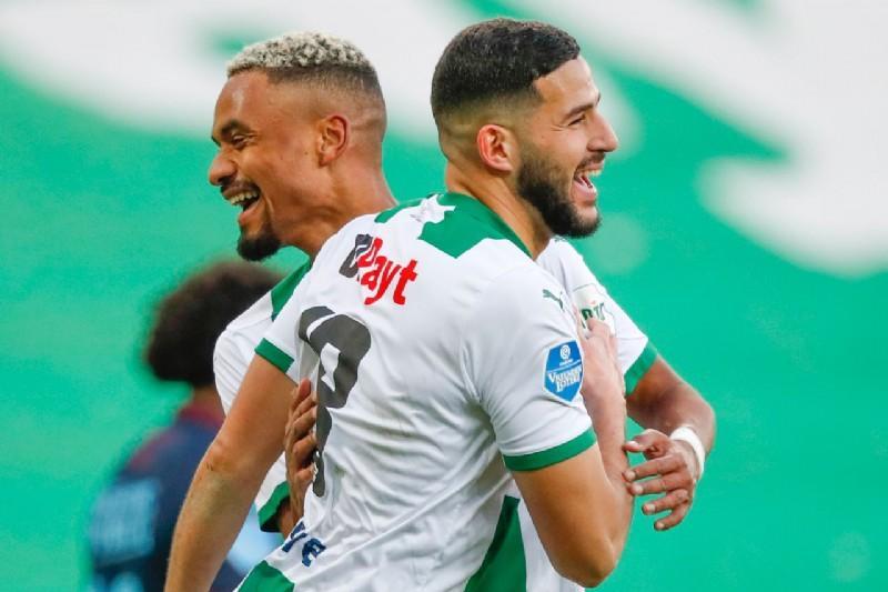 #Eredivisie 🇳🇱   Résultats 10e Journée  -Vitesse 2-0 Sittard -Feyenoord 1-1 Utrecht -Groningen 1-0 Williem II -Heracles 1-2 AZ -PSV 1-0 Sparta https://t.co/w5dV6TtoCf