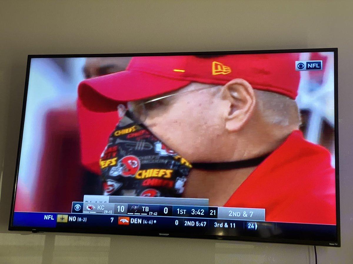 Andy Reid showing his versatility 😂  #AndyReid #Maskup #Chiefs #NFL