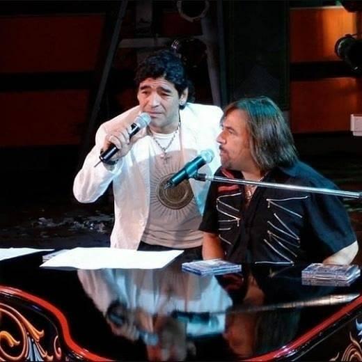 La cariñosa carta de Alejandro Lerner a Maradona → https://t.co/mCkcvO9lFL https://t.co/IdgkKaNfy0