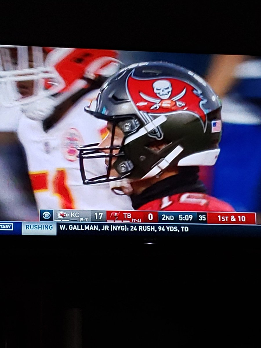 #NOvsDEN I do believe the Bucs current have the same score as Broncos, but with a HOFer at QB.