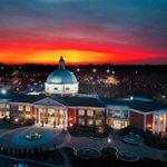 HPU at sunset is a 10/10. 👀🤭 📸: HPU mom, Stacy Murphy