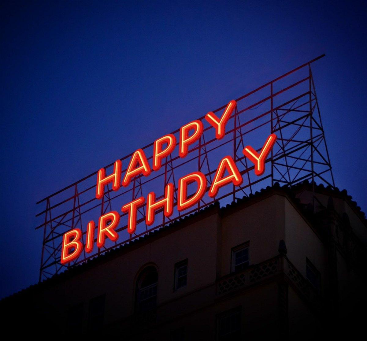 On This Day - Happy Birthday to Akeem Spence! #AkeemSpence #nepatriots #nepats #bostonathlete #onthisdaysports #boston #bostonsports #football #nfl #foxboro #newengland #happybirthday #bostonathletemagazine https://t.co/yj8w6XMqJH