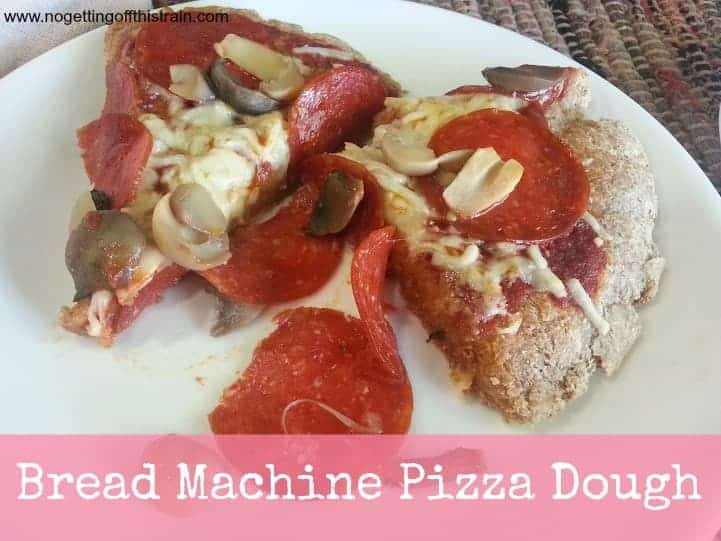 The best pizza dough recipe *ever*; only 5 ingredients and easy to make in the bread machine! #pizza #bread #breadmachine #recipe https://t.co/kGiRaof3Xk https://t.co/BnDl8079I6