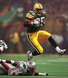 Underrated Green Bay RB Dorsey Levens played 8 seasons with the Pack, totaling 6,016 yards from scrimmage while scoring 44 regular-season TDs.   #NFL #SNF #SundayNightFootball #NBC #Packers #Pack #GreenBay #GB #Wisconsin #Lambeau #football #sports #GoPackGo https://t.co/cb9Ptf8FdT