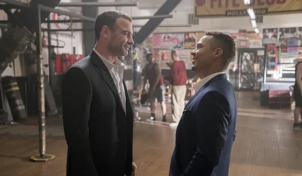 Alt universe: Fernando Alves calls #RayDonovan, world renowned fixer, and makes this entire case disappear along with Jonathan. #TheUndoing #UndoingHBO