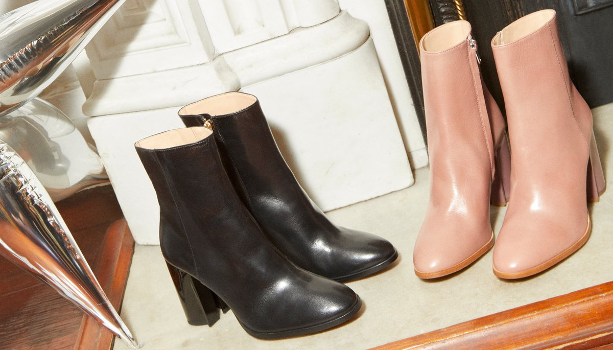 These boots are made for holiday-ing. ✨ #CoachHoliday https://t.co/W9pcUnkopn #CoachNY https://t.co/FiGGbncPKK