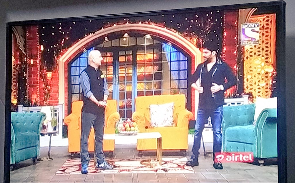 Beautifully👌🏻👌🏻👍 Show @KapilSharmaK9 Sir Dekh Ke Mjaa AaGya Aur Saath Me My All Times Favourite Actors @AnupamPKher Sir #TheKapilSharmaShow @SonyTV