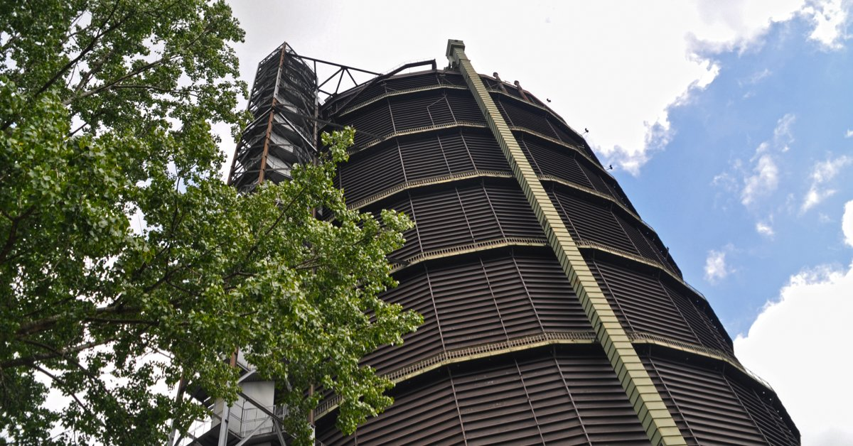 Sibelco's NAstra® expendable blast cleaning #abrasive is currently being used for the renovation of the Gasometer Oberhausen @Gasometer_OB in Germany. Read more: https://t.co/ZNXuoOgMsA https://t.co/digzZiufuZ