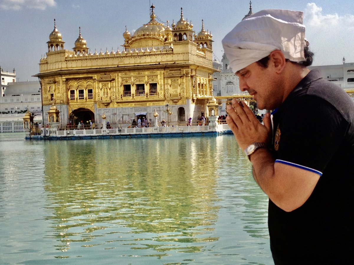 Guru Purab de lakh lakh Wadai ..Happy Guru Nanak Jayanti 🙏🙌#HappyGurpurab #HappyGuruNanakJayanti