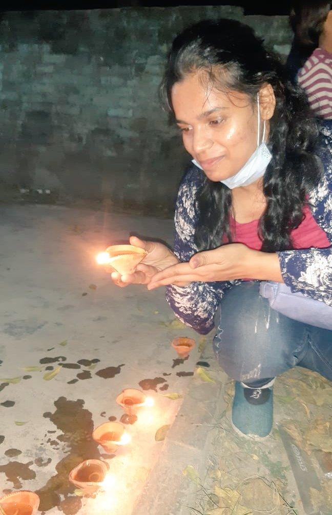 Give light, and the darkness will disappear of itself. #AvnishyaWaliDiwali #avnishya #Diwali2020  #slums