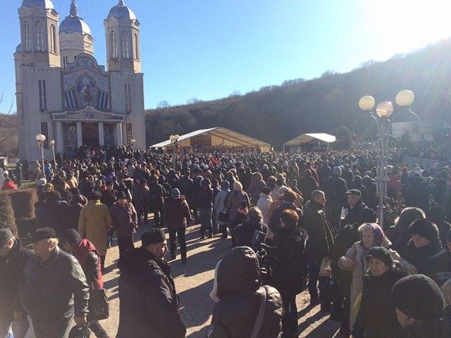 """Peste 130 de jandarmi și polițiști, mobilizați pentru manifestările religioase care au loc azi, la Mănăstirea """"Peștera Sfântului Andrei"""", din județul Constanța https://t.co/vIbRfWA4Zh #news #stiri #romania https://t.co/w63zbwgpvs"""