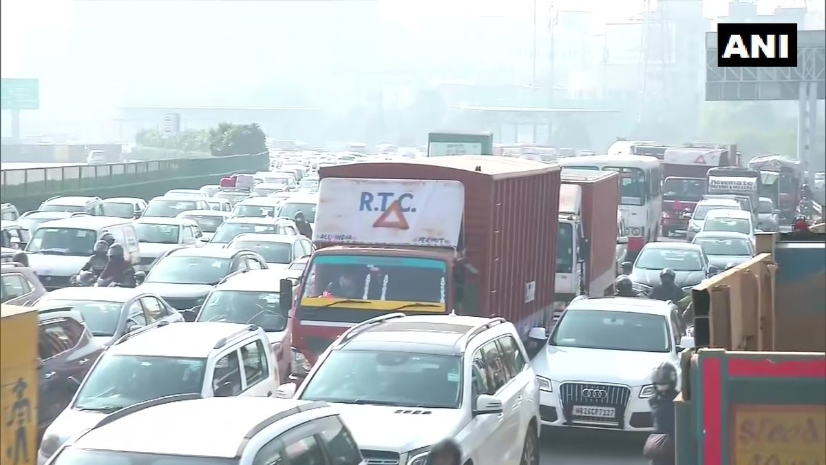 """Traffic congestion at Delhi-Gurugram (Haryana) border in view of #FarmersProtest.  DCP South-West, Ingit Pratap Singh says, """"We haven't received any inputs on farmers coming here. We are taking precautionary measures and preparing for the same at both Singhu and Tikri border."""" https://t.co/JRivic29N1"""