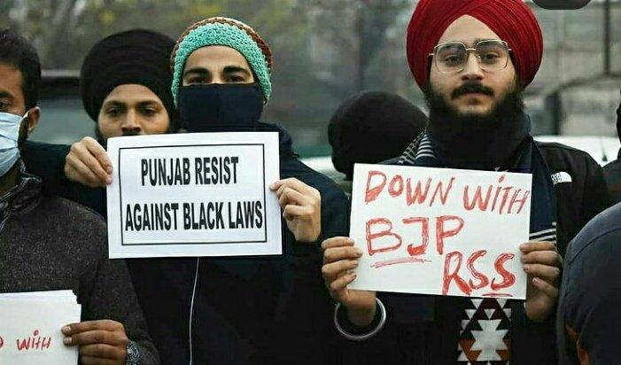 28 राज्य हे , कोई इन बेवकूफ प्रर्दशनकारियो को बताओ कि #FarmBills2020 पुरे भारत मे लागू हुआ हे। न कि सिफ्र पंजाब मे। 😡👊  #FarmersProtestHijacked #Punjab  #mondaythoughts