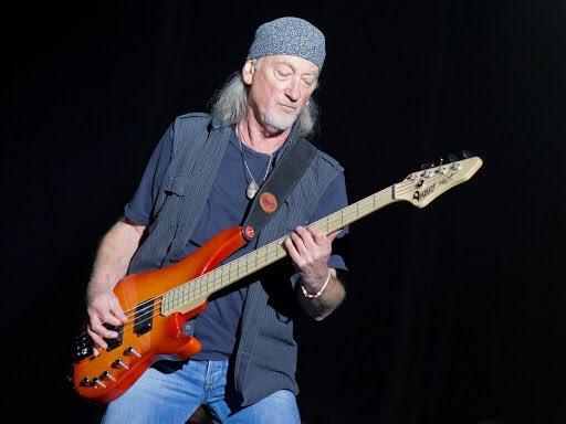 November 30, 1945 - Roger Glover, bassist of Deep Purple, is born. —— @DeepPurpleItaly @DeepPurplePod  #DeepPurple #RogerGlover #HappyBirthday #30novembre #TbT #parole #KAI_MmmhOutNow #RocketLeague #Rock #patrimoniale