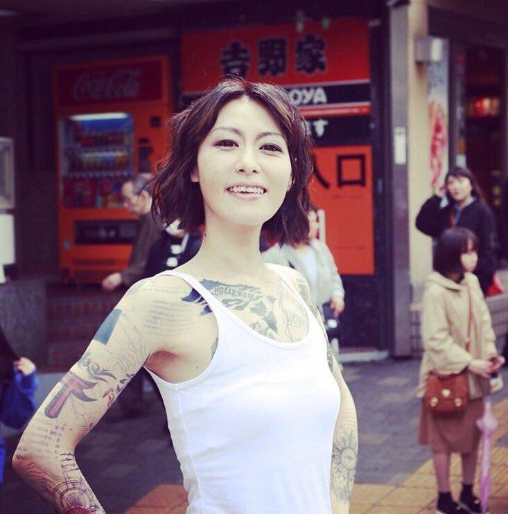 知らなかった。鳥居みゆきが全身にタトゥー入れてたなんて。何だこの姉さん超かっけぇな
