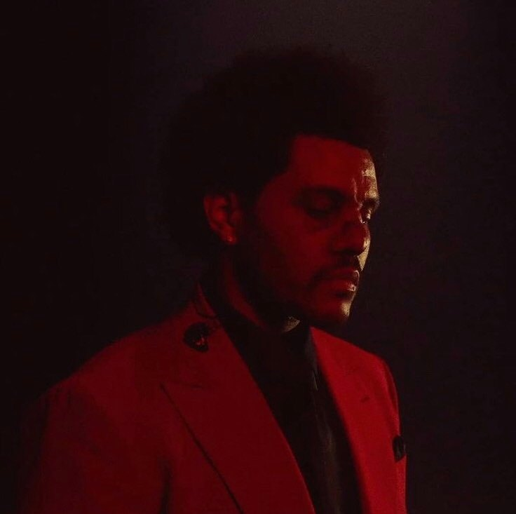 .@theweeknd's 'Save Your Tears' reaches a new peak of #38 (+2) on US Pop Radio.