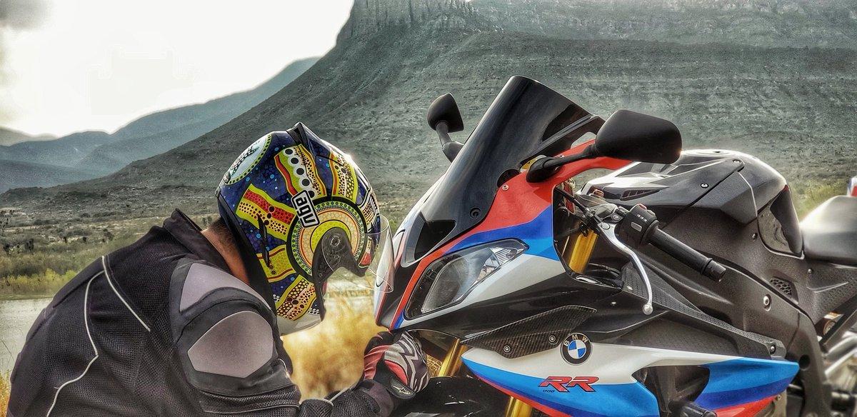 Un poco de shooting en vacaciones #motos #moto  #motorcycle #motor #motocross #motorbike #motogp #bmw #grauecorte #titan #bikelife #cg #motolife #motociclista #f #a #mototerapia #fan #biker #bhfyp https://t.co/KJVuhOP1p1
